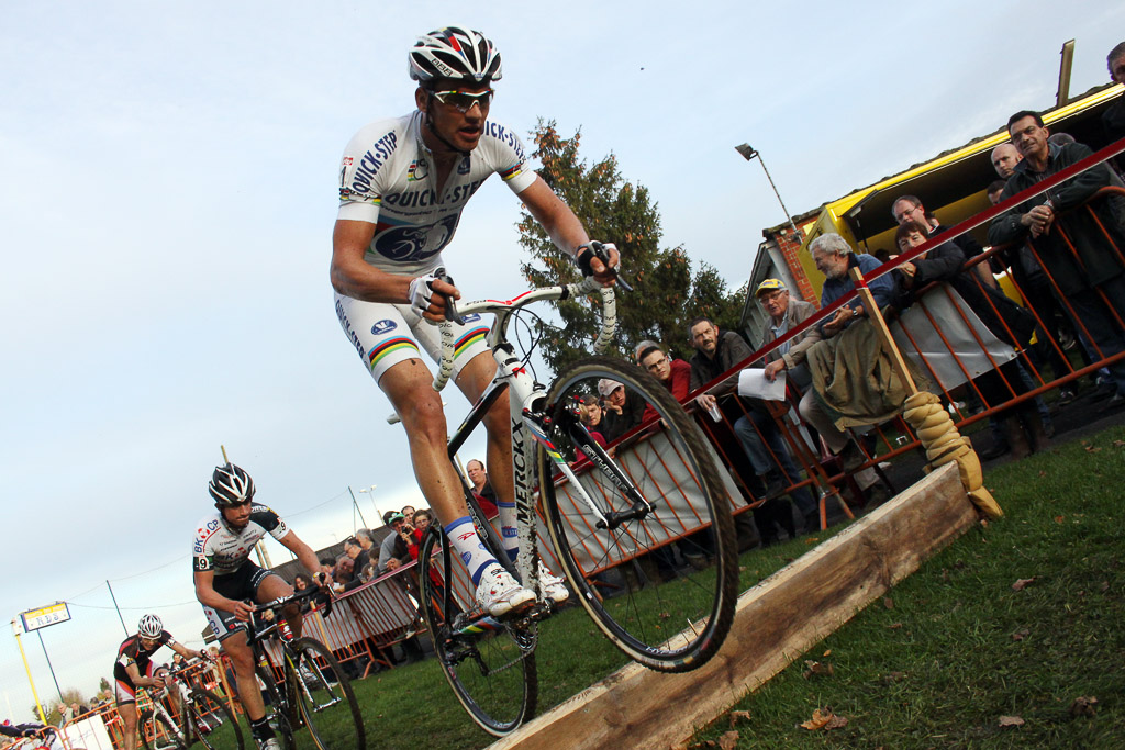 Stybar leads Simunek over the barriers. ©Bart Hazen