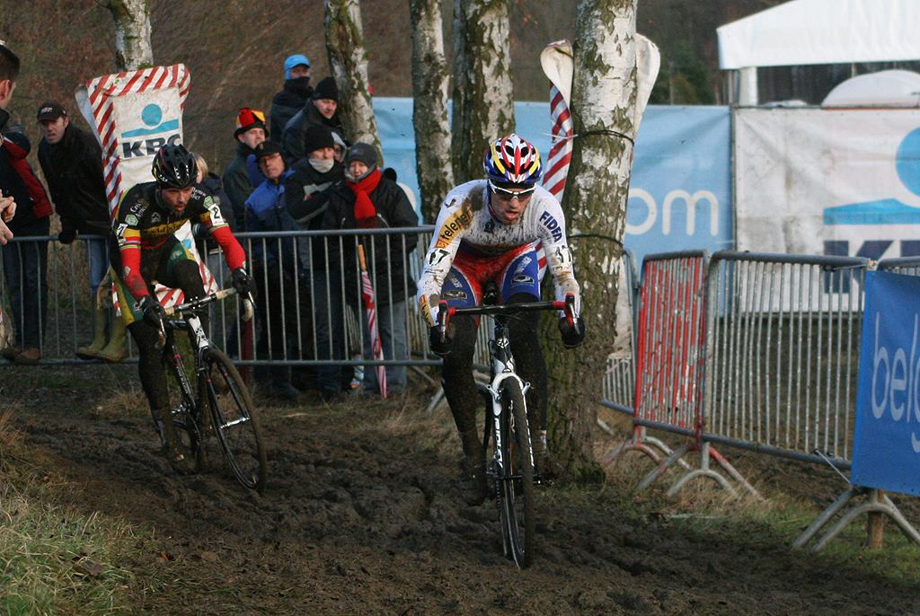 Stybar attacked after reaching Nys. GP Sven Nys 2010 - Baal, Beglium. GVA Trofee Series. ? Bart Hazen