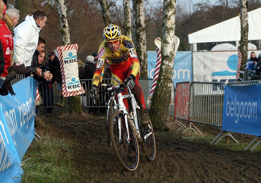 Klaas Vantornout showed he\'s back and in form with a fast start. GP Sven Nys 2010 - Baal, Beglium. GVA Trofee Series. ? Bart Hazen