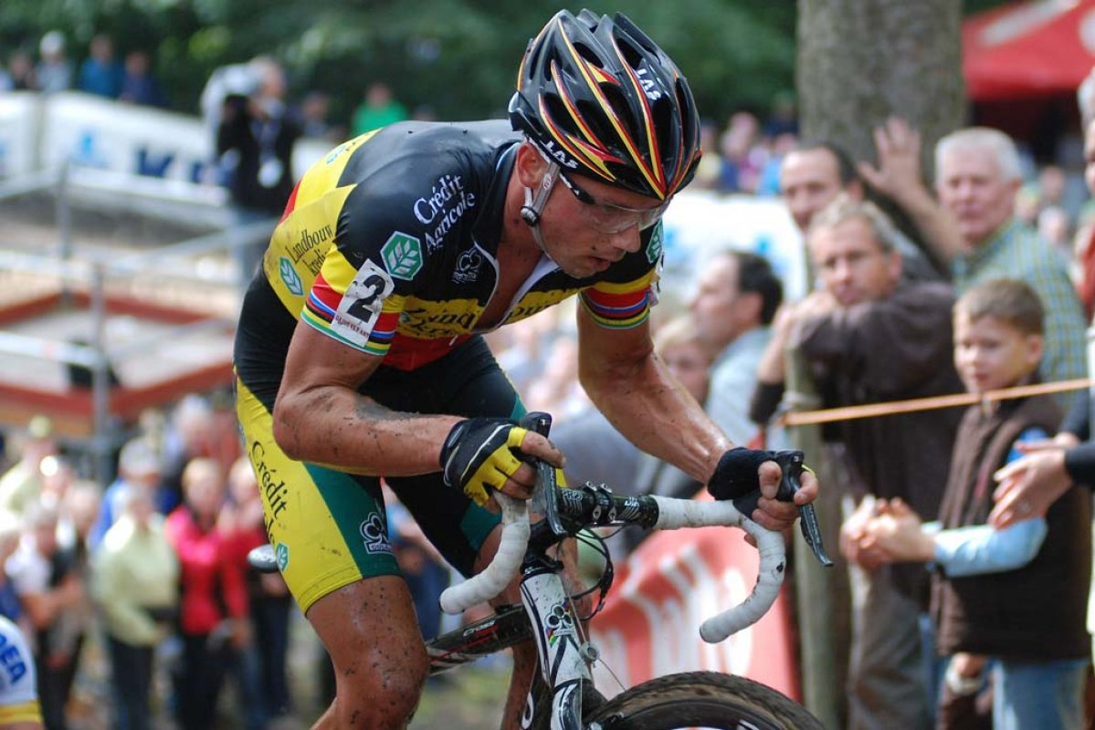 Sven Nys abandoned the race with two laps to go. © Bart Hazen