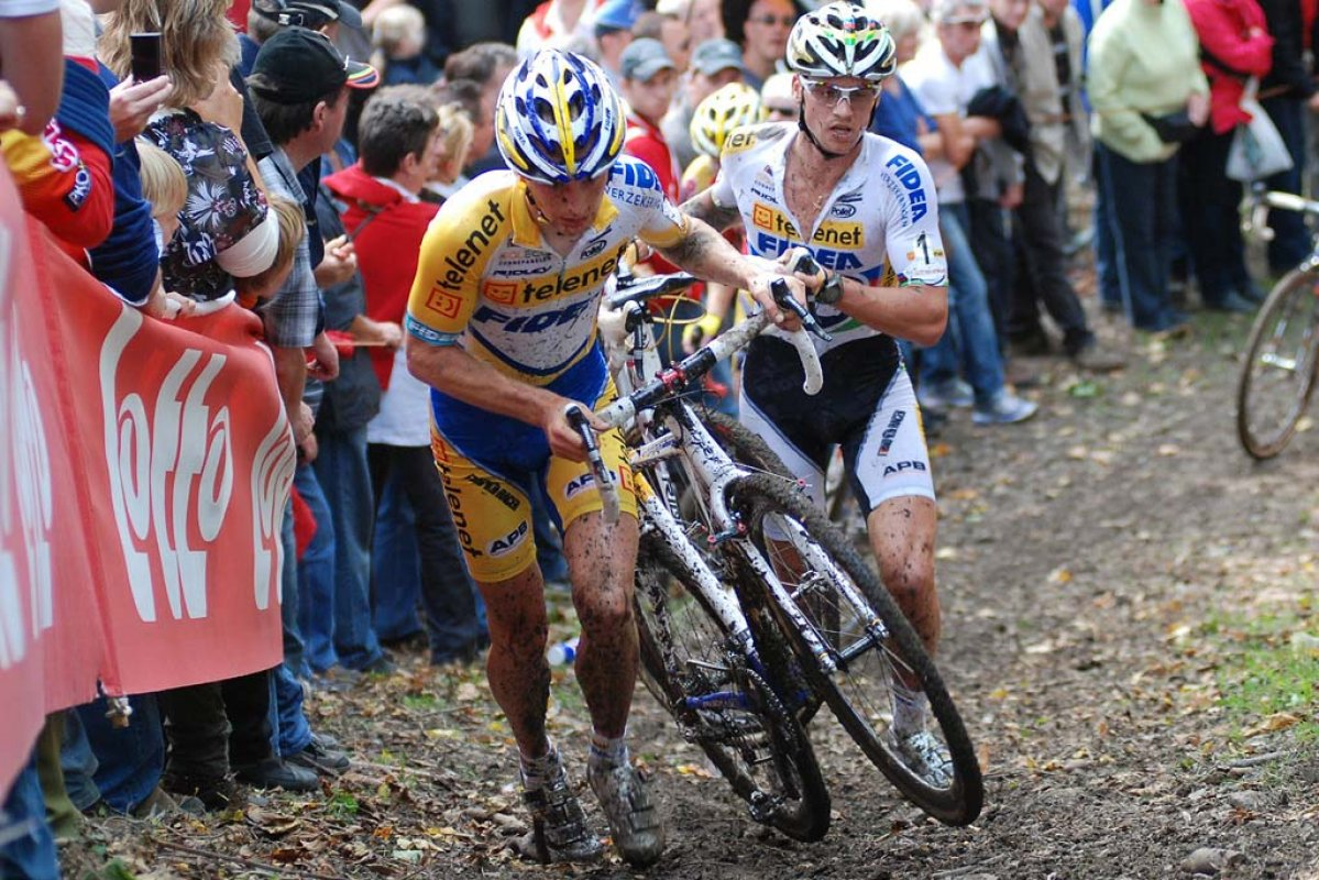 Kevin Pauwels leads Zdenek Stybar up the climb. © Bart Hazen