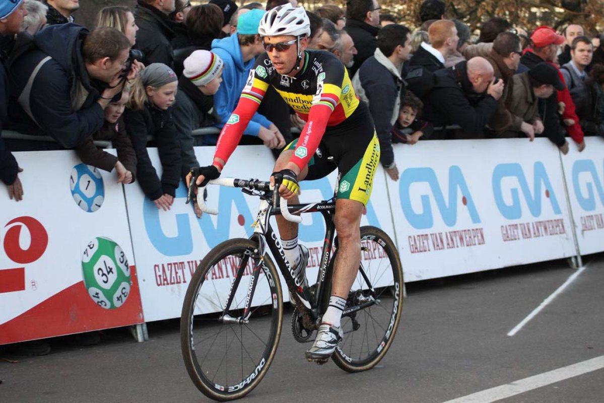 Sven Nys continues a good season with third in Hasselt. © Bart Hazen