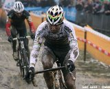 Zdenek Stybar leads Sven Nys trough the mud
