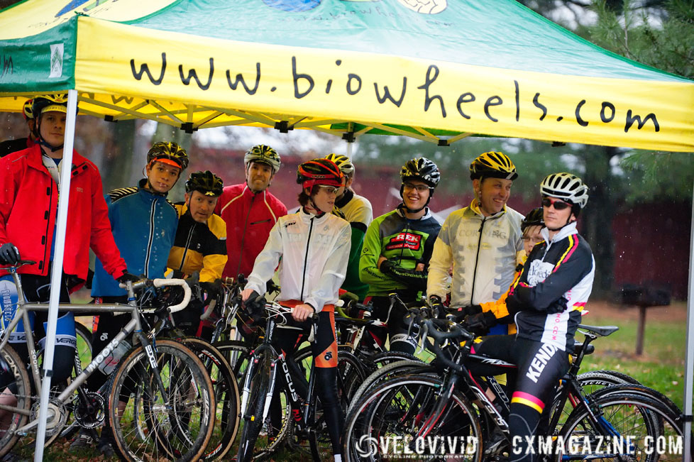 Riders stay dry at the Harbin Park Cyclocross Clinic © VeloVivid