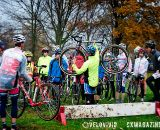 Barrier techniques 101 at the Harbin Park Cyclocross Clinic © VeloVivid