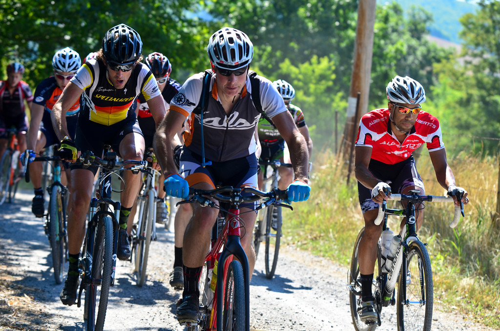 Race winner Garth Prosser (Specialized) and third place finisher Gerry Pflug (Salsa) string out the field early on in the race. © Fred Jordan