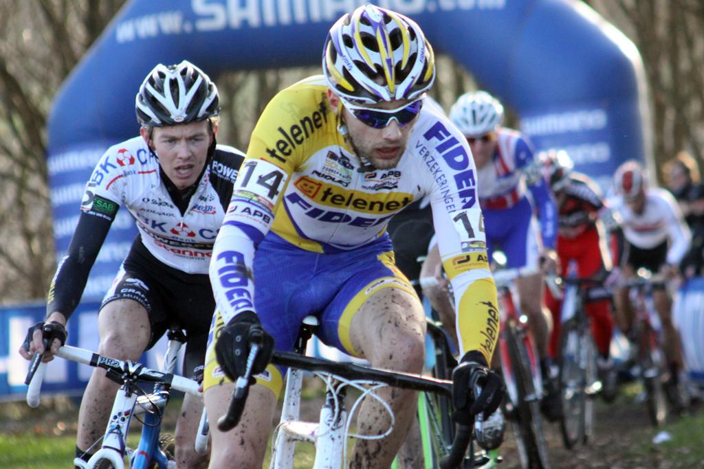 Rob Peeters leads the chase. He went on to finish 14th. ©Bart Hazen