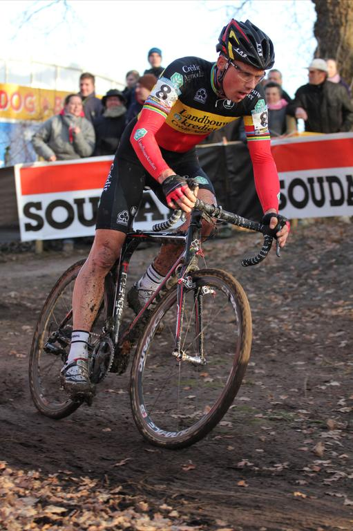 Sven Nys (Landbouwkrediet) could not hold off Pauwels for the World Cup win after Pauwels\' late season surge. © Thomas van Bracht