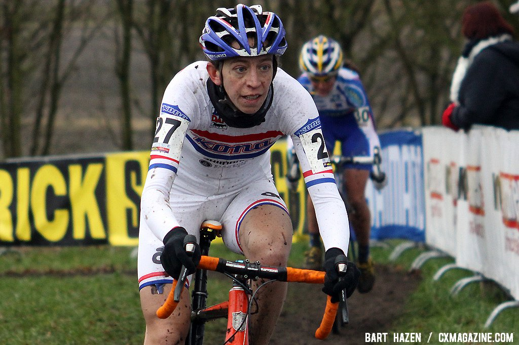 Helen Wyman had a fast start and finished in 8th - Hoogerheide Cyclocross Word Cup 2011