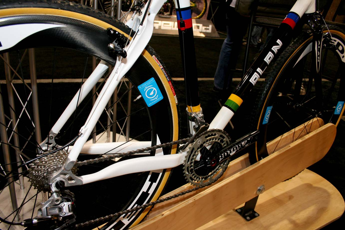 Stellina Sport\'s Alan show bike was displayed with HED\'s deep se