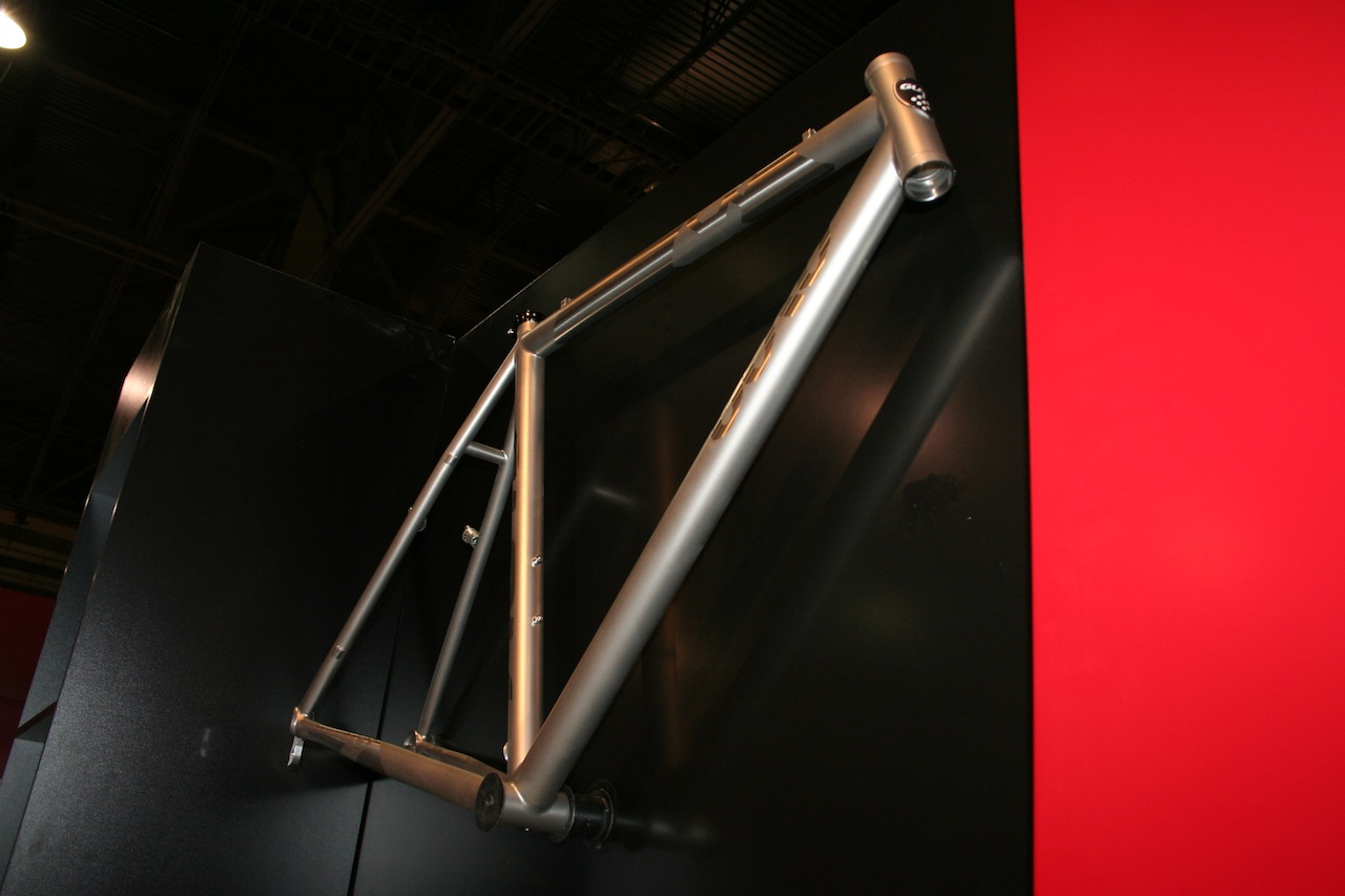 Ti frames are available in the traditional industrial look, or painted © Josh Liberles
