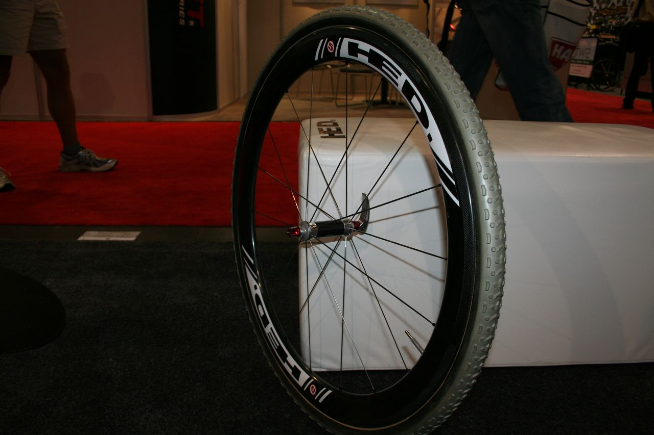 The Stinger 5 offers strength, aerodynamics and a wider tubular rim profile © Josh Liberles