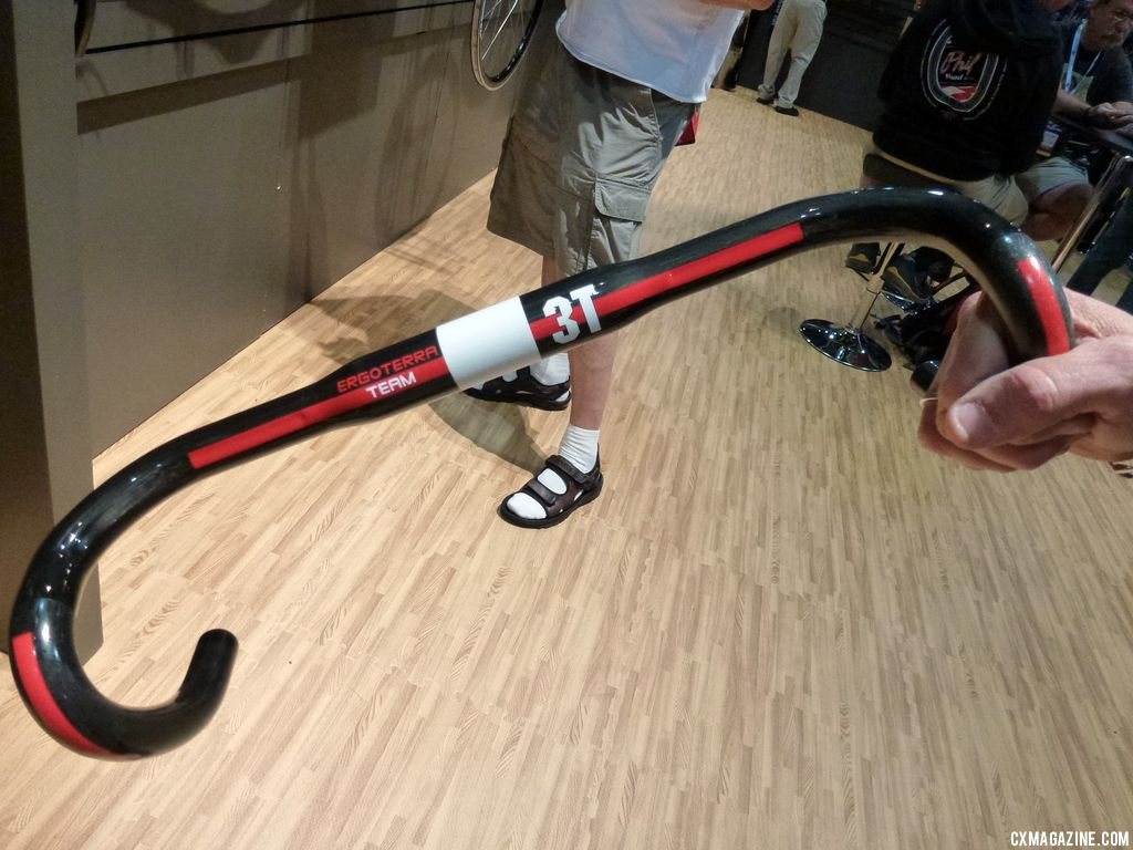 A look at the new Ergoterra handlebars from 3T. © Cyclocross Magazine