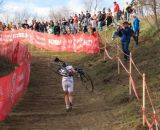 Wyman runs the hill and steps at Jingle Cross Day 3. © Elisabeth Reinkoldt