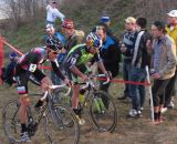 Johnson and Jones duke it out at Jingle Cross Day 3. © Elisabeth Reinkoldt