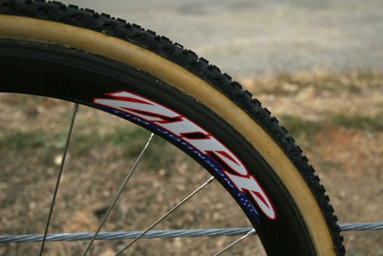A loaner Zipp 303 from teammate Tim Johnson is wrapped in a Dugast Rhino tire that helped riders deal with the loose conditions found in Louisville © 2010 Matt James