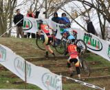 ovcx-5-storm-eva-bandman-halloween-cx-elite-woman-winner-katie-arnold-on-run-up-in-cat-3-traffic-by-kent-baumgardt