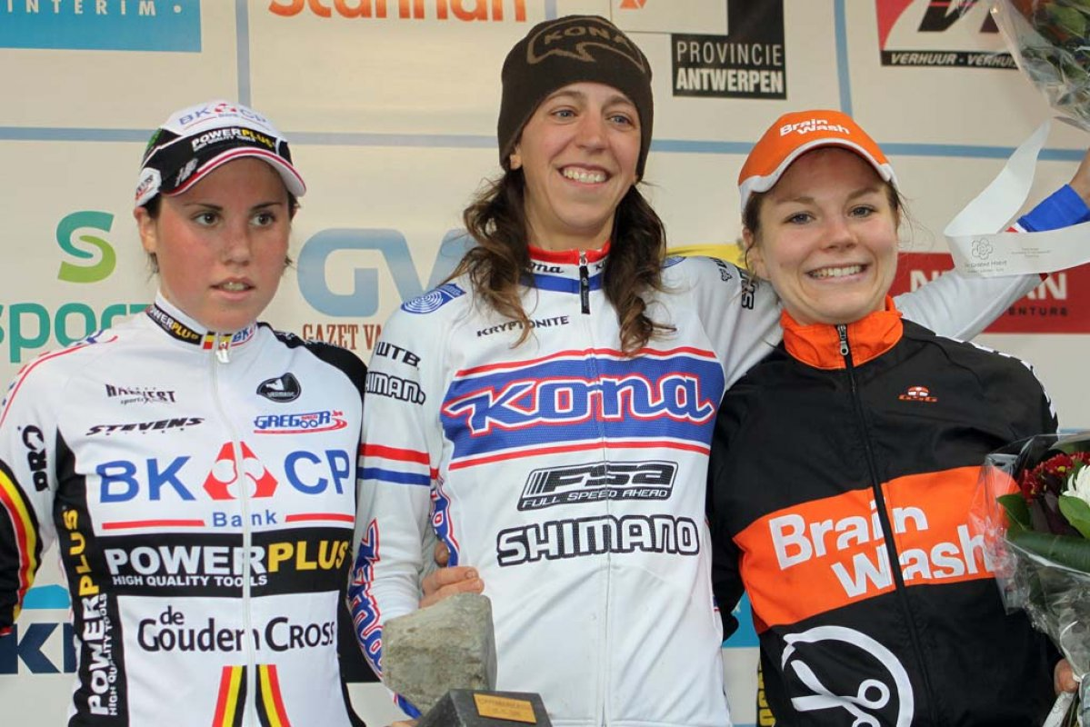Cant (l), Wyman and Van Paassen on the podium. © Bart Hazen