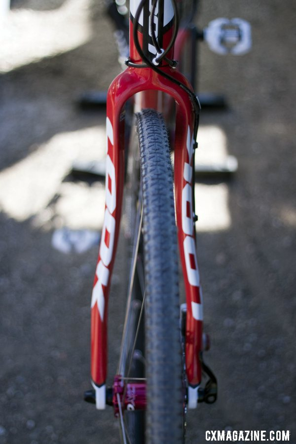 Generous front fork clearance should keep Ali Goulet rolling in Louiville this year. ©Cyclocross Magazine
