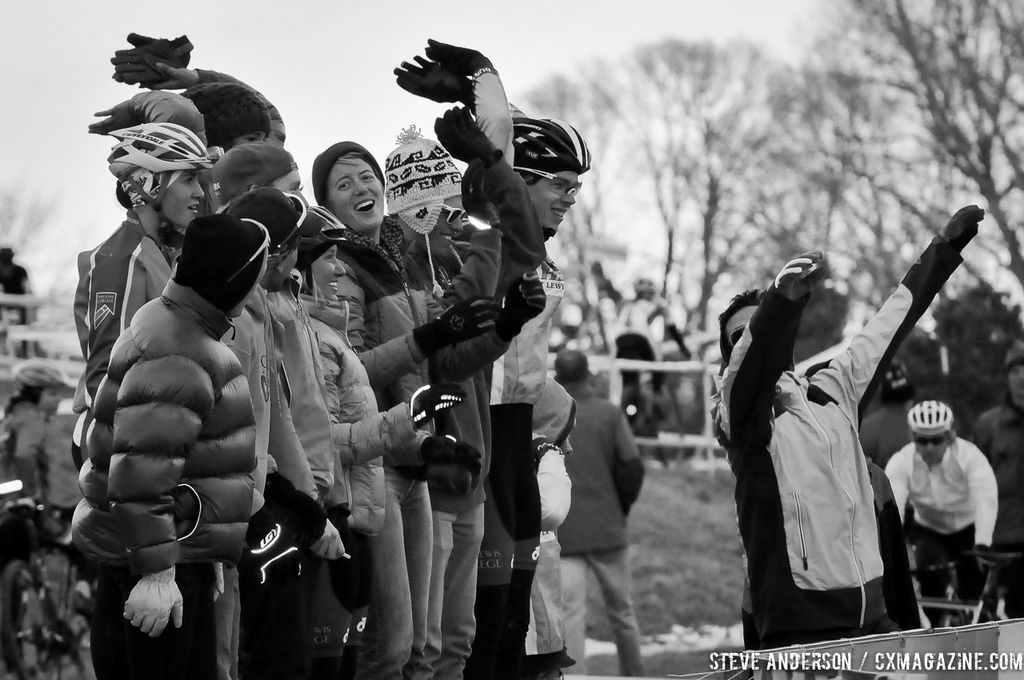 The crowd at the first ever Collegiate Relay at the 2014 National Cyclocross Championships. © Steve Anderson