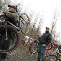 mw-gk-the pit crews always keep the bikes out of the mud for their riders-sm.jpg