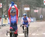 Mark Verloo of Belgium holds of Kevin Hines (USA) for the Masters 50+ world title © Gregg Germer - ChainringTours.com