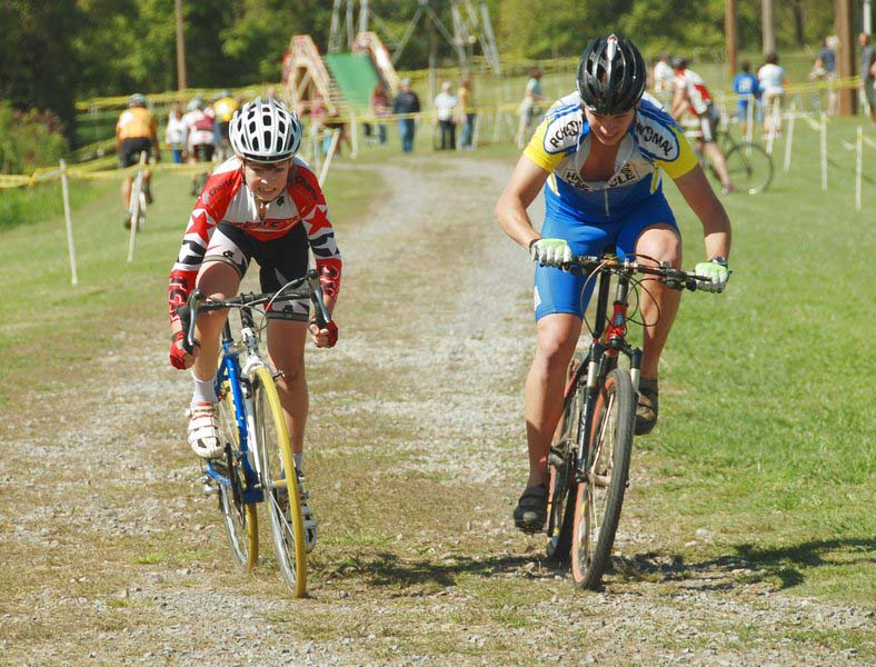 The juniors sprint it out at MSG. ?Bart Nave