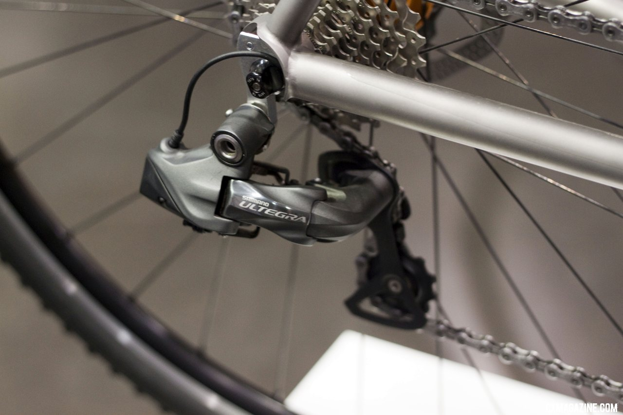 Caletti\'s internal Di2 wiring exits the chainstay. ©Cyclocross Magazine