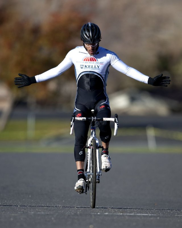 Alex Candelario wins the District NCNCA 2010 Cyclocross Districts. © Tim Westmore