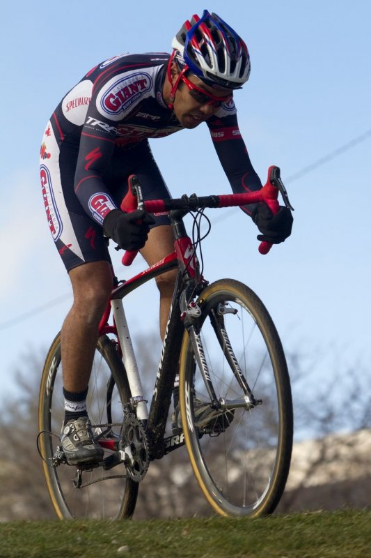 Anastasio Flores finishes second behind Myrah. NCNCA 2010 Cyclocross Districts. © Tim Westmore