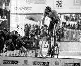 Sven Nys bunnyhops the planks in Tabor Part 2 ? Joe Sales