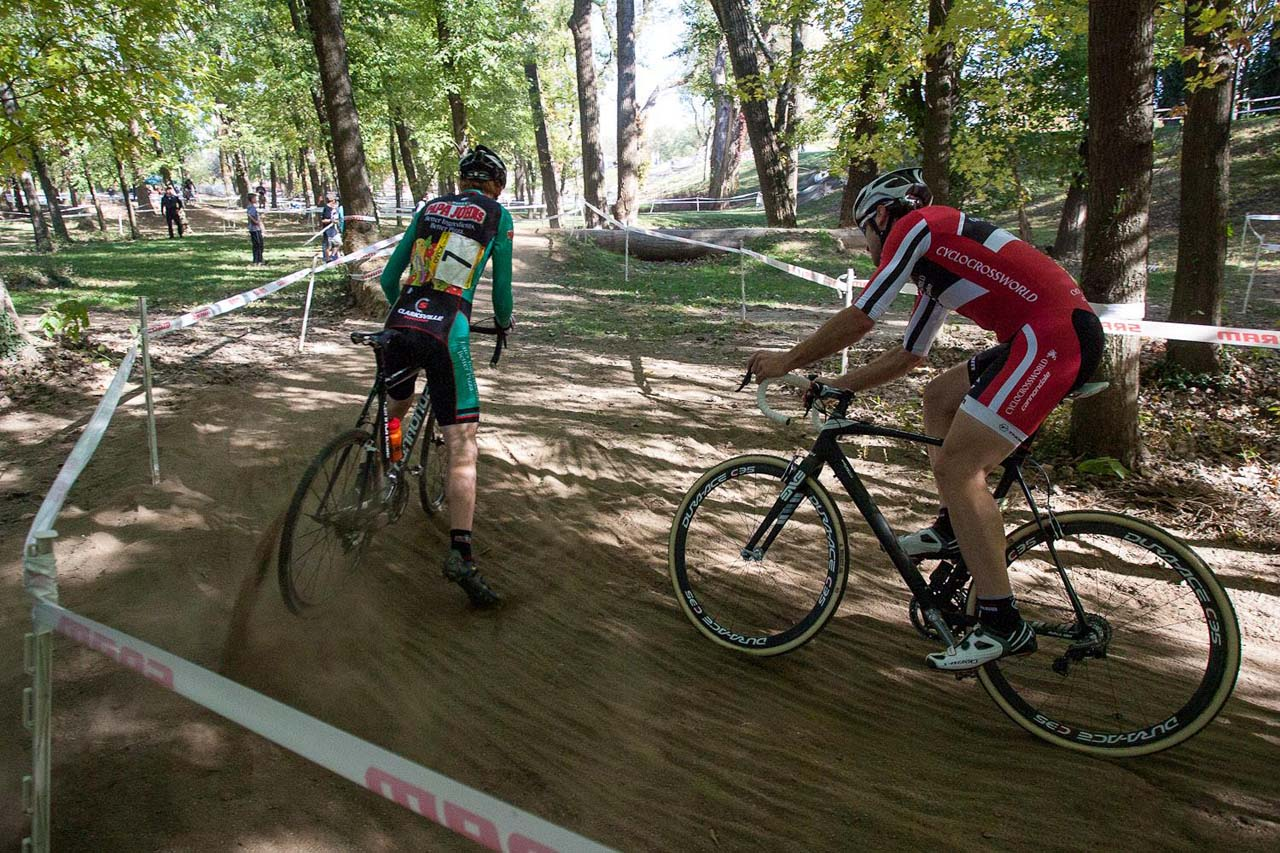 A sandy corner factored into the selections in the Men\'s Elite race. © Kent Baumgardt
