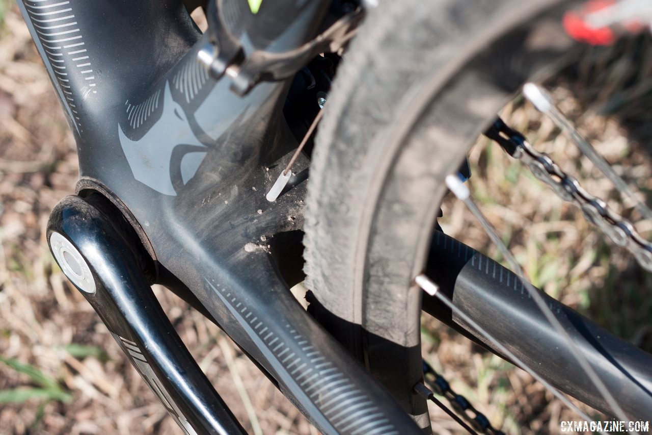 Internal cable routing through the downtube is also Di2 compatible. © Cyclocross Magazine