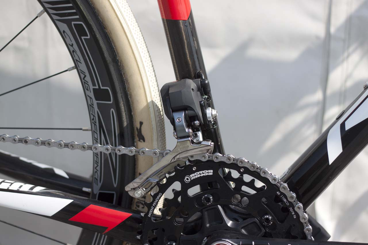Dura Ace Di2 derailleur handles the front shifting. © Cyclocross Magazine