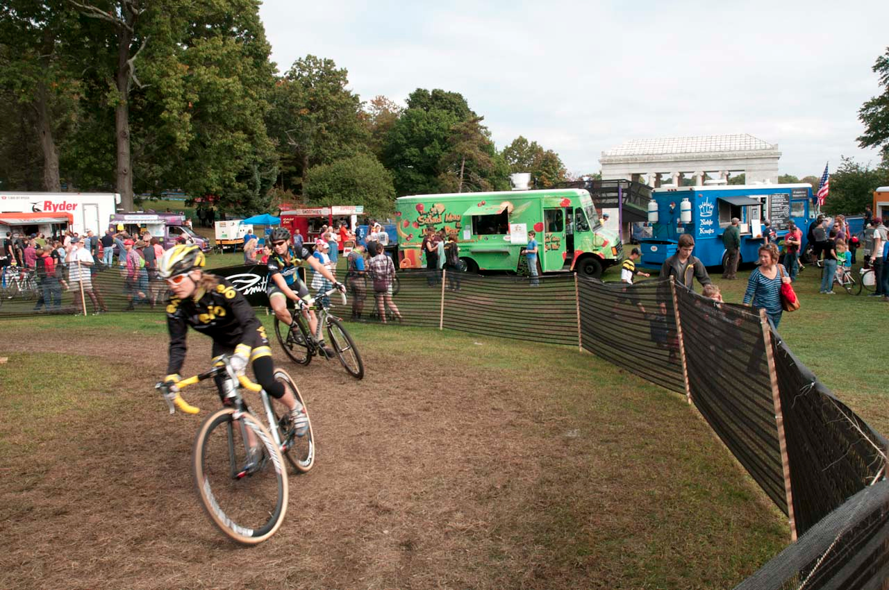 The EXPO area located right along side the course had plenty of catering for hungry spectators. © Kevin White