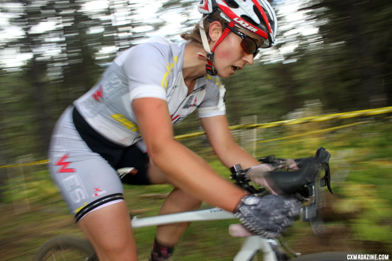 Laura Winberry finished in fifth, just two spots out of the pro contract. © Cyclocross Magazine