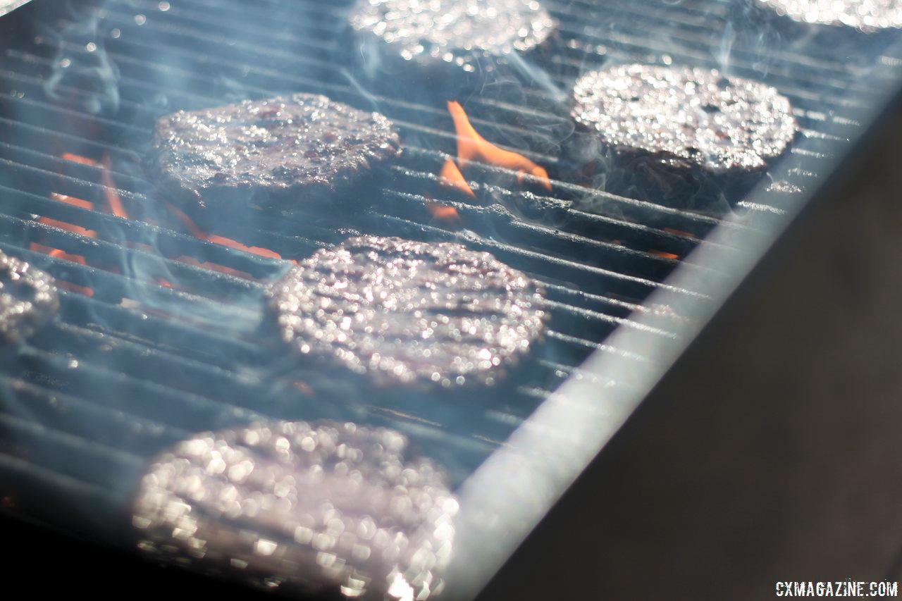 Hamburger handups? At Raleigh Midsummer Nights Cross. © Cyclocross Magazine