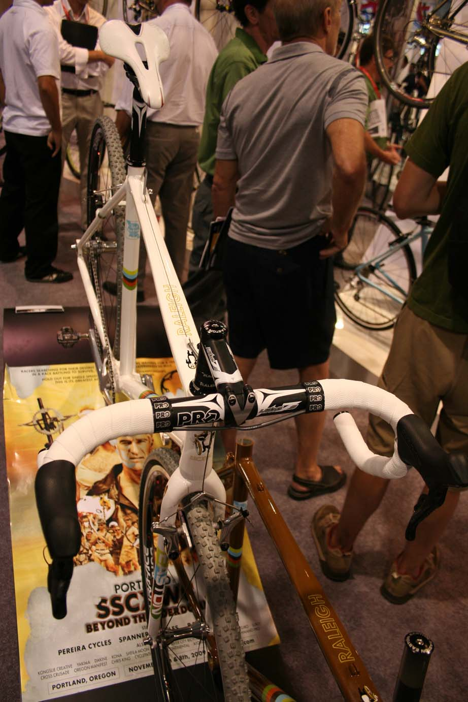 Continuing with the Shimano theme, Pro supplies the bar and stem. by Andrew Yee