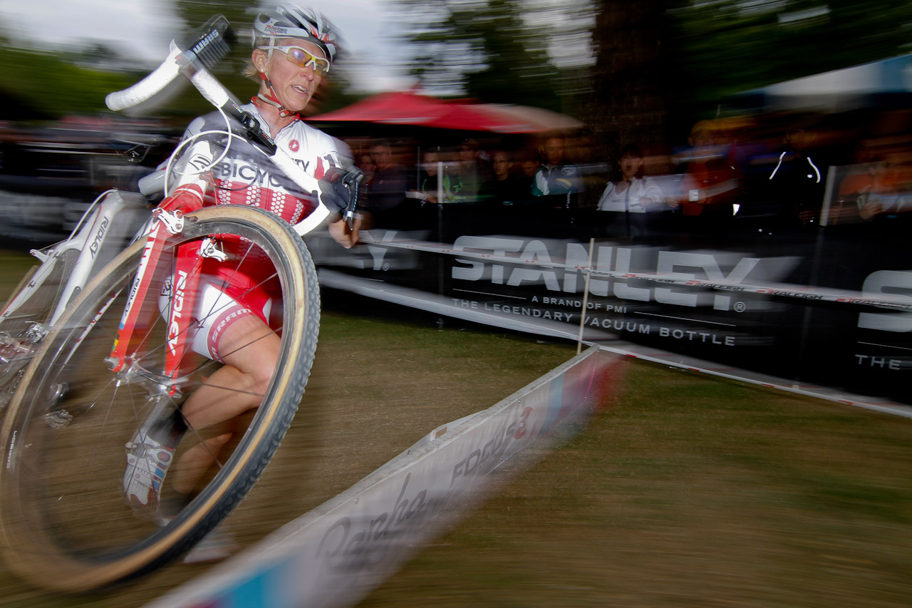 Starcrossed: Sue Power would chase Nash all the way. © Doug Brons