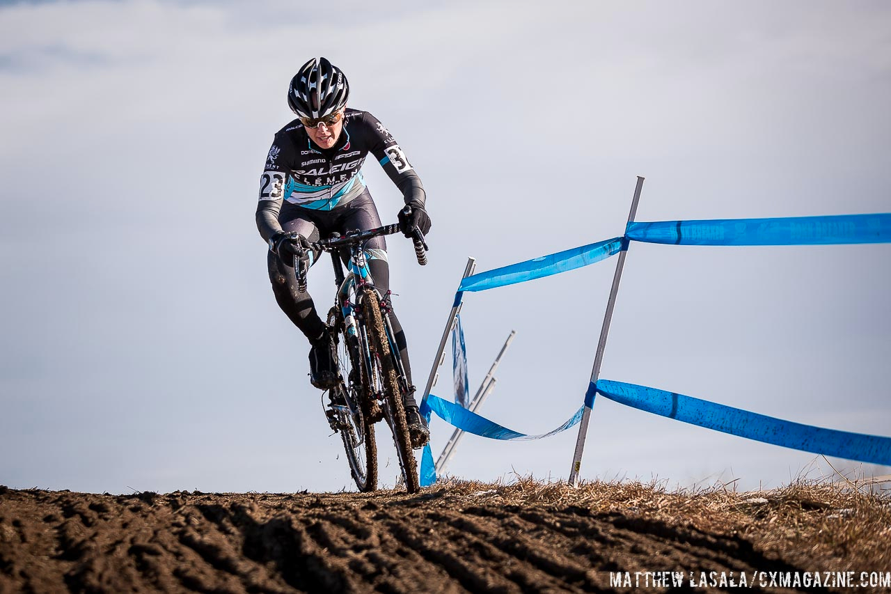 Rebecca Gross in the women\'s 30-34 race at USA Cycling National Championships of Cyclocross. © Matt Lasala