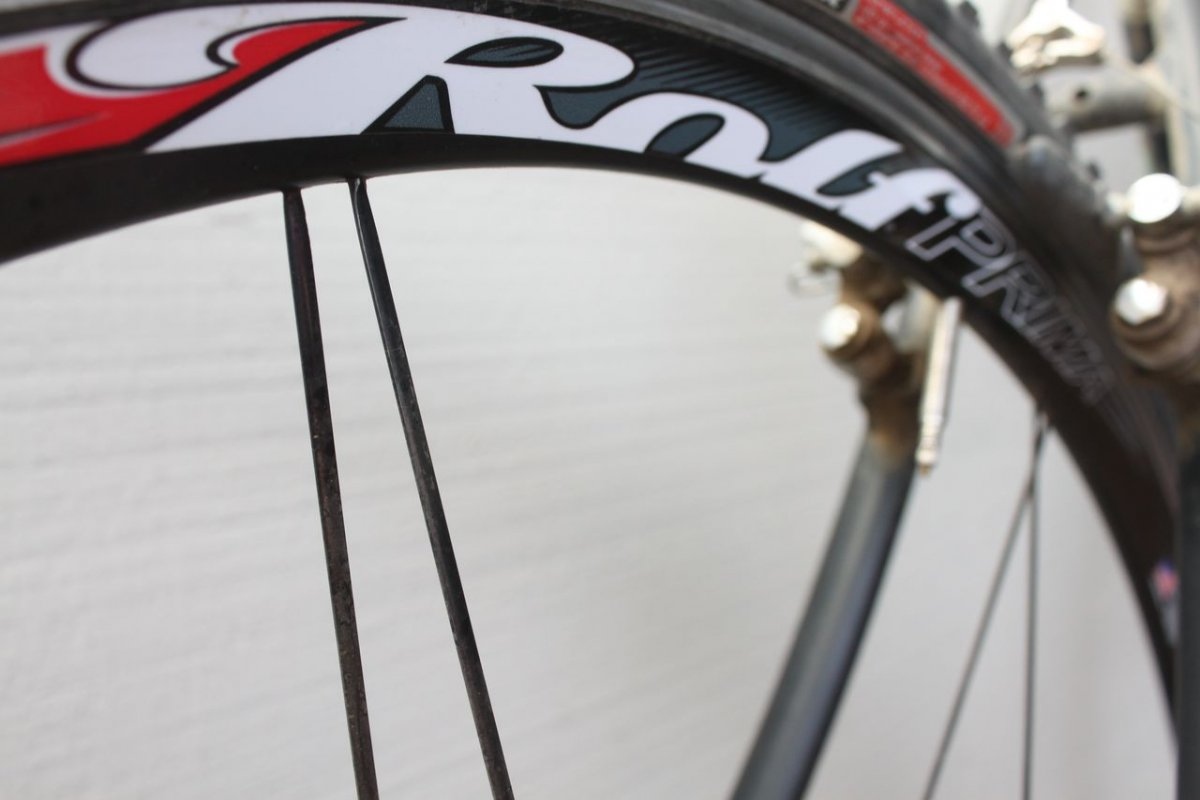 The Rolf SSCX cyclocross wheelset has 16 of Rolf's signature paired spokes. © Cyclocross Magazine