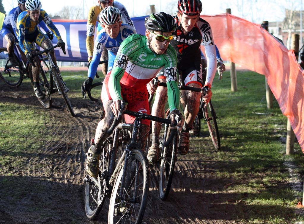 The pack snakes its way through the Roubaix course. ? Bart Hazen