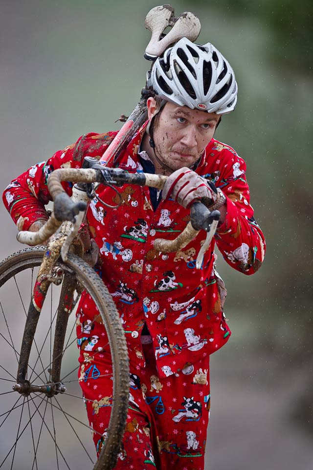 Cotton Jammies probably not the best for the muddy conditions ©Danny Munson