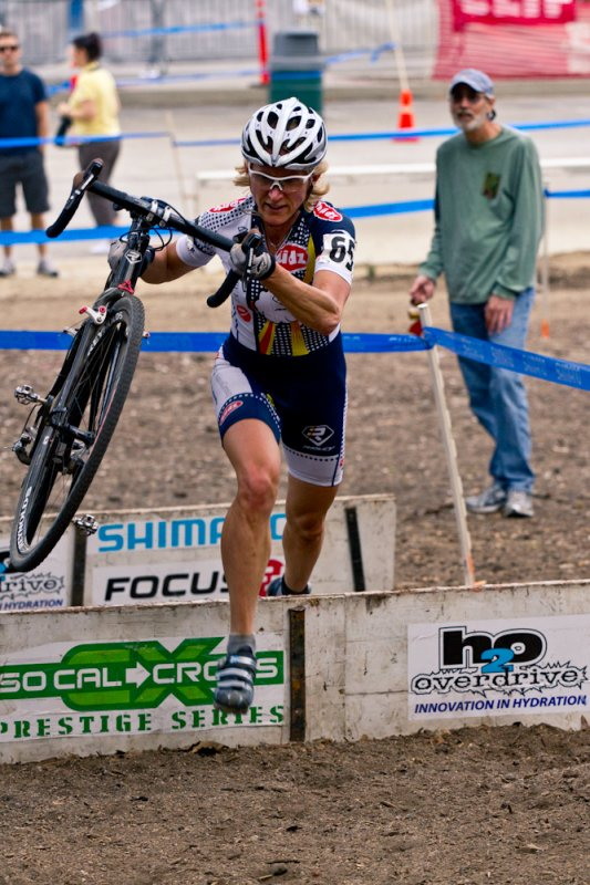 Sue Butler didn't falter on her way to victory in Griffith Park. © M. Rock