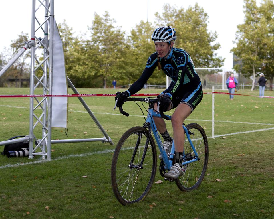 Sarah Maile (Ventana Mountain Bikes) crosses the finish line for the win. ©Tim Westmore