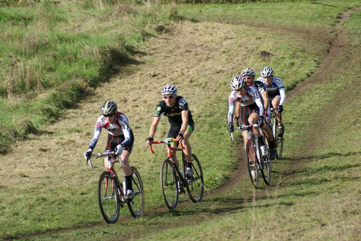 Five riders got a big gap early in the Elite men\'s race © Kenton Berg