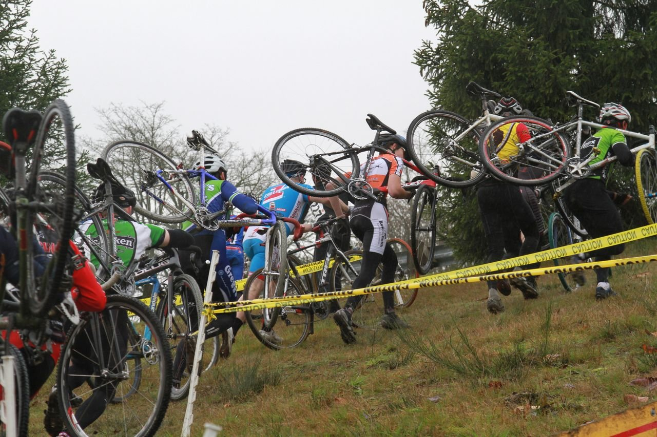 This steep section forced riders to carry their bikes © Janet Hill