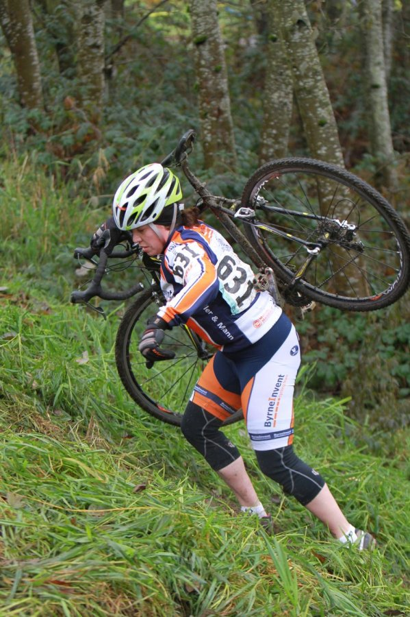 The wet grass had plenty of riders struggling to stay balanced © Janet Hill