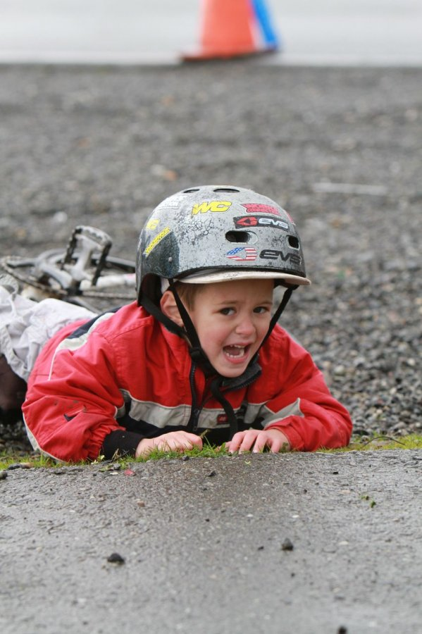 The mud left some of the younger juniors frazzled © Janet Hill