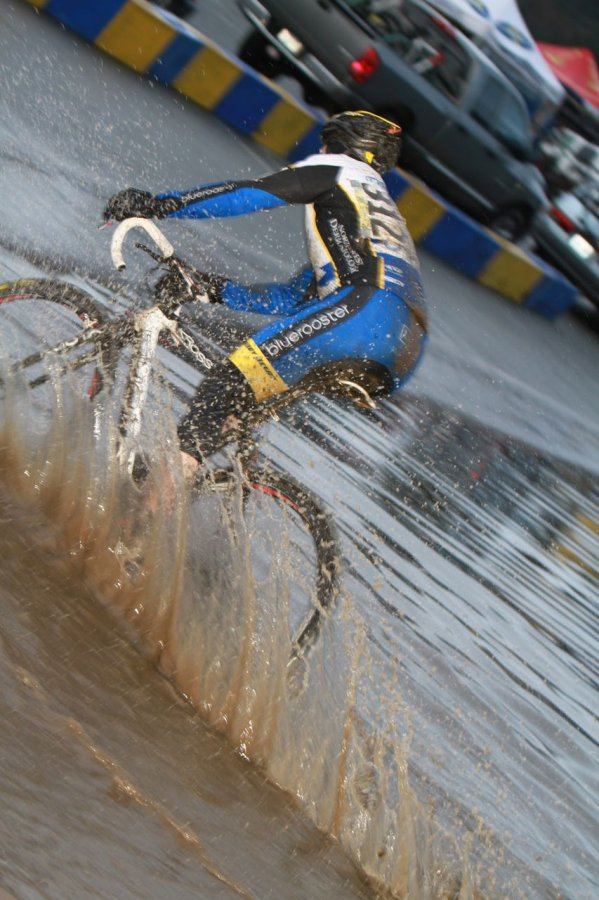 Despite the high water, most riders were able to safely negotiate the course© Janet Hill